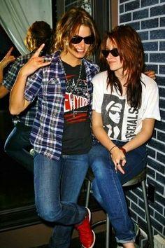 Nikki & Kristen promoting Twilight - 2008