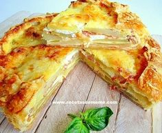 Peasant cake with potatoes and cheese - Pastel campesino con patatas y queso - Receta original de myTaste Tapas, Cooking Time, Cooking Recipes, Food Porn, Brunch, Salty Foods, Comida Latina, Brie, I Foods