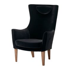 IKEA - STOCKHOLM, Korkeaselk lepotuoli, Sandbacka musta, , Pehmustettu erittäin kimmoisalla kylmävaahtomuovilla, joka on mukavaa, hyvin tukevaa ja säilyttää muotonsa vuosia.</t><t>Niskatyynyn korkeutta voidaan säätää hyvän tuen aikaansaamiseksi.</t><t>Sametti on pehmeää ja ylellistä ja kestää hyvin kulutusta. Se on helppo puhdistaa pehmeällä harjasuulakkeella imuroimalla.</t><t>Helppo pitää puhtaana ja siistinä irrotettavien ja pestävien käsinojanpäällisten ansiosta.</t><t>Korkean ...