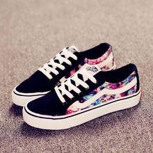 Sapatas de lona 2015 outono novos chegada das mulheres planas sapatos baixos casual floral mulheres moda sapato casual(China (Mainland))