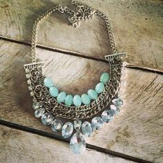 Pechera XS Ethnic Jewelry, Boho Jewelry, Jewelry Crafts, Jewelry Art, Jewelery, Jewelry Design, Unique Jewelry, Bib Necklaces, Handmade Necklaces