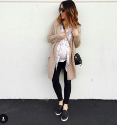 Gently used designer maternity brands you love at up to How to Dress when Pregnant. Casual Maternity Outfits, Stylish Maternity, Maternity Wear, Maternity Fashion, Maternity Clothing, Maternity Styles, Pregnancy Fashion, Cute Outfits, Pregnancy Wardrobe