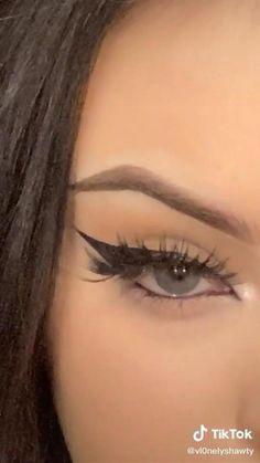 Edgy Makeup, Makeup Eye Looks, Grunge Makeup, Eye Makeup Art, Makeup Tutorial Eyeliner, Makeup Looks Tutorial, No Eyeliner Makeup, Skin Makeup, Eye Makeup Tutorials