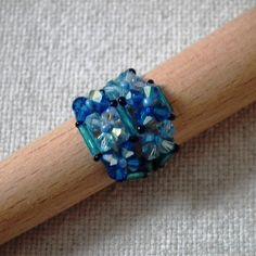 Bague composée de toupies en cristal Swarovski : Bague par creations-aux-milles-couleurs