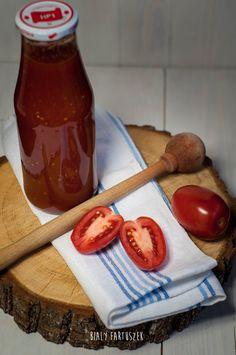 Biały fartuszek: Przecier pomidorowy