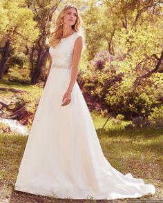 ¡Por fin ha llegado el momento en que luzcas como toda una princesa! Si eres una novia con alma de princesa, que aún no te decides por un vestido, a continuación te mostramos los modelos más lindos para que tomes la mejor decisión.