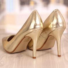 Pantofi Stiletto Nicolett Airoo Cod: 775 Louboutin Pumps, Christian Louboutin, Cod, Heels, Fashion, Heel, Moda, Fashion Styles, Cod Fish