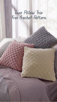 Crotchet, Crochet Yarn, Crochet Stitches, Crochet Hooks, Free Crochet, Crochet Pillow Pattern, Crochet Cushions, Crochet Patterns, Yarn Projects