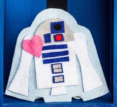 The perfect pin to give your best friend in the entire galaxy.