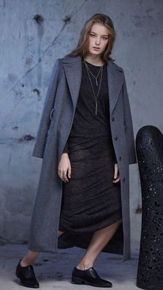 Long and stying winter coat outfit ideas for women Winter Coat Outfits, Long Winter Coats, Stylish Outfits, Outfit Ideas, Normcore, Women, Fashion, Dapper Clothing, Classy Outfits