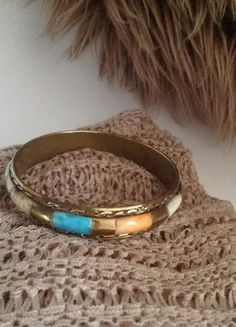 Kaufe meinen Artikel bei #Kleiderkreisel http://www.kleiderkreisel.de/accessoires/armbander-and-armreife/137499147-armreif-in-gold-mit-bunten-steinen