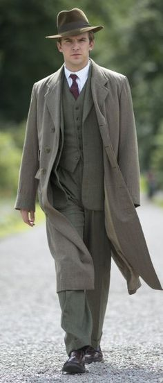 Men should absolutely dress like this!  Dan Stevens as Matthew Crawley of Downton Abbey