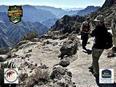 BARRANCAS DEL COBRE te dice. en la zona de las barrancas, hay dos polos turísticos unidos por carretera que deleitarán al viajero: En este corredor, al igual que en el parque, encontrará restaurantes, hoteles, miradores, actividades de senderismo, aguas termales, campamentos y rutas para motocicletas de montaña. www.chihuahua.gob.mx/turismoweb