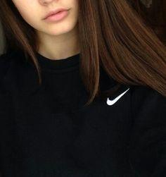 nike // sweatshirt