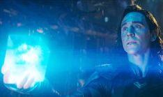 Tom hiddleston as loki in marvel's avengers: infinity war Loki Meme, Avengers Humor, Loki Thor, Loki Laufeyson, Loki Funny, Funny Tom, Marvel Avengers Comics, Loki Avengers, Tom Hiddleston Body