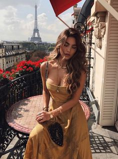 Image about girl in Beauty by Sophie on We Heart It Summer Outfits, Cute Outfits, Summer Fashions, Casual Outfits, Negin Mirsalehi, Cooler Look, Inspiration Mode, Poses, Mode Style