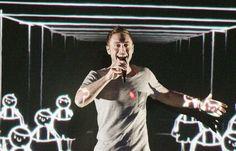"""Schweden - Måns Zelmerlöw mit """"Heroes"""" (KURIER/Franz Gruber) Mehr Bilder vom #ESC Finale finden Sie auf http://kurier.at/songcontest."""