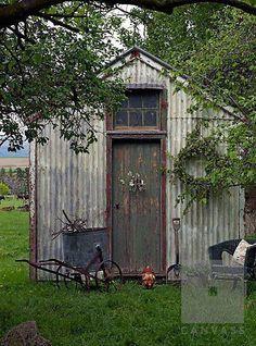 20 Rustic Garden Inspiration Garden shed Garden Buildings, Garden Structures, Rustic Gardens, Outdoor Gardens, Rustic Shed, Do It Yourself Decoration, Metal Shed, Rusty Metal, Shed Kits