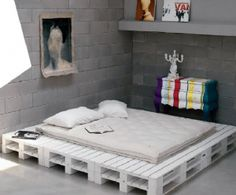 Stackable Furniture Pallets Black & White
