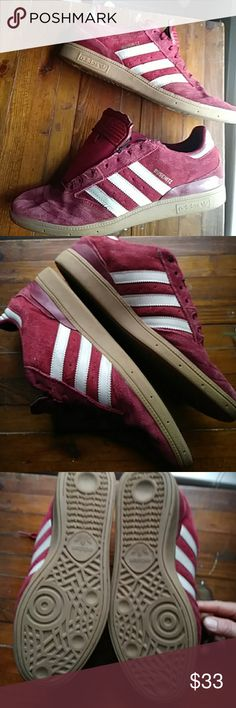 👟adidas BUSENITZ burgandy/gum sneaker Pre-loved..built to last and withstand the toughest board. Remix for years one of Adidas strongest and most popular skateboarding shoes. Back in production modeled after one of Adidas most loved shoe the samba mixed with Dennis B skate shoe. Size 11.5. plenty of life left in them small signs of wear around laces as shown in picture looking for the flat burgundy lace I only have one. Could be replaced with another color flat lace shoe string. Highly…