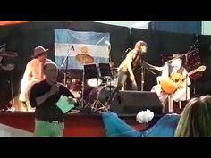 Presentación del grupo musical peña Huinca Malal