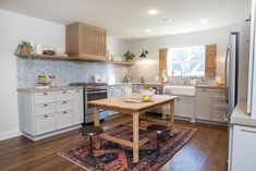 Fixer Upper: Baker house kitchen and dining room - a functional place for family dinners...
