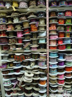 [お土産]大大大興奮の手芸屋さん「介良裡布行」(迪化街) : 台湾のたびしおり Taipei, Nespresso, Handmade, Travel, Vietnam, Decor Ideas, Display, Craft, Kitchen