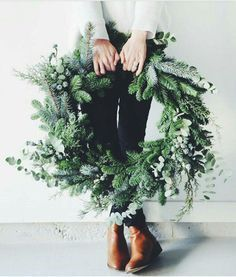 18 inch large fresh Christmas wreath Artificial fir tree as Christmas decoration? A synthetic Christmas Tree or a real one? Merry Little Christmas, Noel Christmas, Winter Christmas, Green Christmas, Christmas Tumblr, Canada Christmas, Christmas Ring, Christmas Swags, Christmas Cactus
