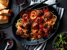 A pasta-night classic you can master on the first try. From the homemade sauce to tasty beef and pork meatballs, it's a cozy meal you can enjoy any night of the week. Beef And Pork Meatballs, Spaghetti And Meatballs, Easy Dinner Recipes, Pasta Recipes, Cooking Recipes, Sauce Gnocchi, Homemade Sauce, Easy Weeknight Dinners, Ground Beef Recipes