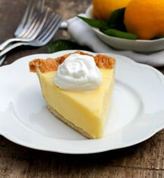 Sour Cream Lemon Pie…magnificent, smooth, creamy, light and refreshing. Oh yeah, this was amazing! I made the all butter crust late in the afternoon yesterday. It was one of those days where things… Mini Desserts, Lemon Desserts, Lemon Recipes, Easy Desserts, Delicious Desserts, Dessert Recipes, Yummy Food, Pie Recipes, Best Coconut Cream Pie