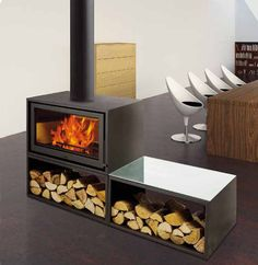 Duo Box two faces Solzaima wood stove Fireplace Feature Wall, Cabin Fireplace, Custom Fireplace, Fireplace Design, Standing Fireplace, 2 Bedroom House Plans, Shed Homes, Wood Burner, Decoration