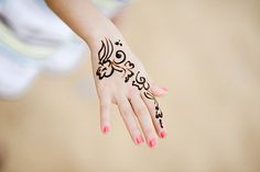 Classic Henna Tattoo On Right Hand Henna Tattoo Hand, Hand Mehndi, Henna Tattoos, Arabian Horses For Sale, Henna Pictures, Hand Tattoos For Women, Mehndi Designs For Hands, Henna Patterns, Skin Art