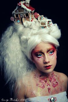 For special celebrations such as Halloween, it also needs special make-up. The disguise for this occasion already makes its own claims to the Halloween make-up as about other carnivals. For Halloween, Unique Halloween Makeup, Halloween Make Up, Halloween Pictures, Christmas Hair, Christmas Makeup, Costume Bonbon, Dark Makeup Looks, Candy Makeup, Wig Party