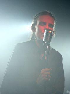 Ari Koivunen - Musta marraskuu - ja sittenkin valoa