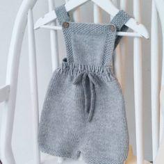 #mulpix ~ Gullungenromper ~  #gullungenromper  #klompelompe  #babystrikk  #barnestrikk  #strikk  #strikking  #strikket  #strikke  #dropsgarn  #dropsmerinoextrafine  #ministil  #strik  #stricken  #sticka  #knit  #knitting  #knitted  #knitforkids  #handknits  #handmade  #knitstagram  #knittersofinstagram  #instaknit  #knitting_inspiration  #knittinginspiration
