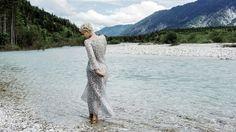 Chembally Kleid lang - mueller & consorten Foto: Laura Zalenga