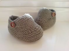 Hand Knitted Baby Booties - chocolat - 6-9 mois