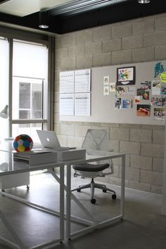 A workspace inside ofCrafting Community,afamily branding company, andKaren Kimmel Inc,art, design, and creative consulting #apple