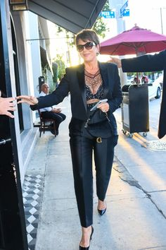 Kris Jenner, Goes Out In Sexy See Through Blouse Boldly Revealing Lingerie & Looks Like A Queen Estilo Kris Jenner, Kris Jenner Style, Estilo Kardashian, Robert Kardashian, Kardashian Style, Kardashian Jenner, Kourtney Kardashian, Kendall Jenner, Kris Jenner Fashion