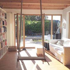 Sonnenschein, ich geh dann mal Schaukeln☀️ #tuesday#dienstag#morgen#sonne#swing #sukha#schaukel#zuhause#instahome#home#instagood#wohnzimmer#livingroom#dekodonnerstag#dekodienstag#decoration
