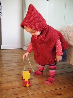 Ravelry: fatgladys' poncho with hood