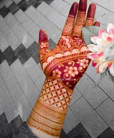 Modern Henna Designs, Indian Henna Designs, Rose Mehndi Designs, Latest Bridal Mehndi Designs, Legs Mehndi Design, Henna Art Designs, Mehndi Designs 2018, Stylish Mehndi Designs, Mehndi Designs For Beginners