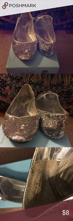 ✨✨✨Sparkly Flats Size 8 Wide ✨✨✨ Some wear to it but plenty of wear left in it, cute but I have too many shoes and these are just sitting around! Otherwise no flaws! Shoes Flats & Loafers