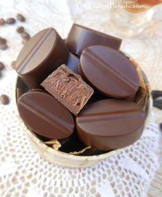 Kávés-Metaxás bonbon: a deluxe változat Death By Chocolate, Like Chocolate, Lollipop Candy, Nail Polish, Sweets, Baking, Blog, Candies, Convinience Store