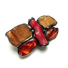 GIFT. Hairpin butterfly made of amber and coral // PREZENT.Spinka do włosów motyl z bursztynu i korala