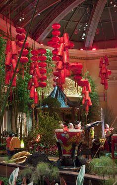 Bellagio Conservatory, Las #Vegas #Flowers http://www.vegasdaze.com/listing.aspx?c=20&n=Free+Fun