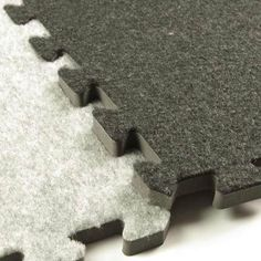 Interlocking carpet tiles or squares are perfect for trade show booth floors as well as home use. They're padded, waterproof and soft to the touch. Check this product here. Silver Grey Carpet, Brown Carpet, Beige Carpet, Carpet Sale, Diy Carpet, Carpet Ideas, Plush Carpet, Outdoor Carpet, Stair Carpet