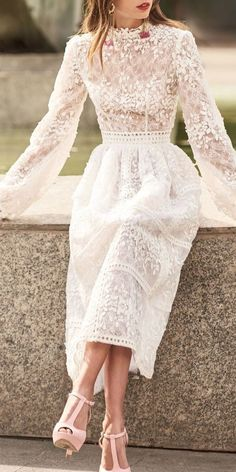Women's Fashion Bishop Sleeve Stand Collar Lace Dress Source by de dia Beautiful Prom Dresses, Elegant Dresses, Pretty Dresses, White Lace Dresses, Dresses With Sleeves, Dress Queen, Dress Up, Chic Dress, Dress Lace