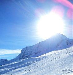 Kitzsteinhorn glacier, a mountain in Austria. Snowboarding, Skiing, Zell Am See, Visit Austria, Italy Pictures, Holy Roman Empire, Central Europe, Alps, Amazing Places