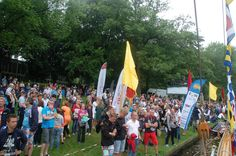 The audience during the Dutch Solar Challenge 2014. Supporting the teams at the world cup for solar powered boats!